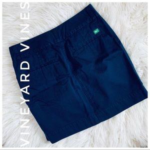 VINEYARD VINES navy mini skirt